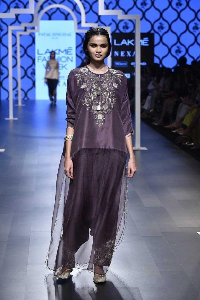 Monotone Fashion _ Style Godspayal_singhal_ss_18_lfw_2018_10_1517997740_760x568
