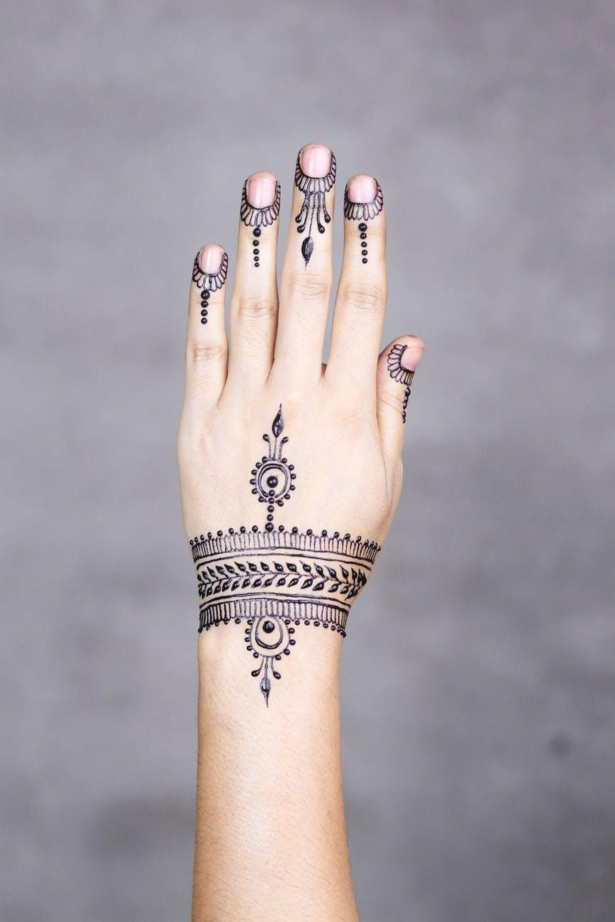 Floral Finger Mehndi Designs-stylegods