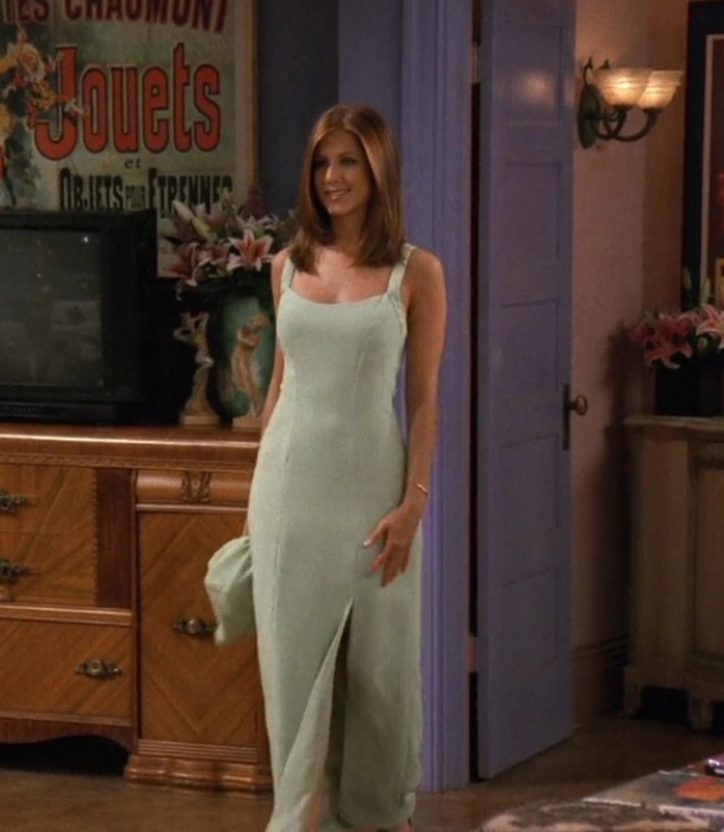 10 Looks Of Jennifer Aniston From Friends