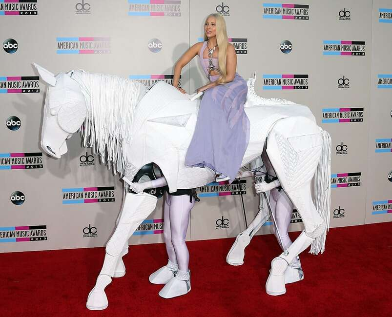 rs_1024x828-190503064908-Lady-Gaga-AMAs-2013-LT-050319-GettyImages-451810307