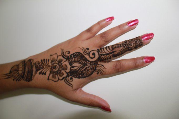 Arabic Simple Mehndi Designs