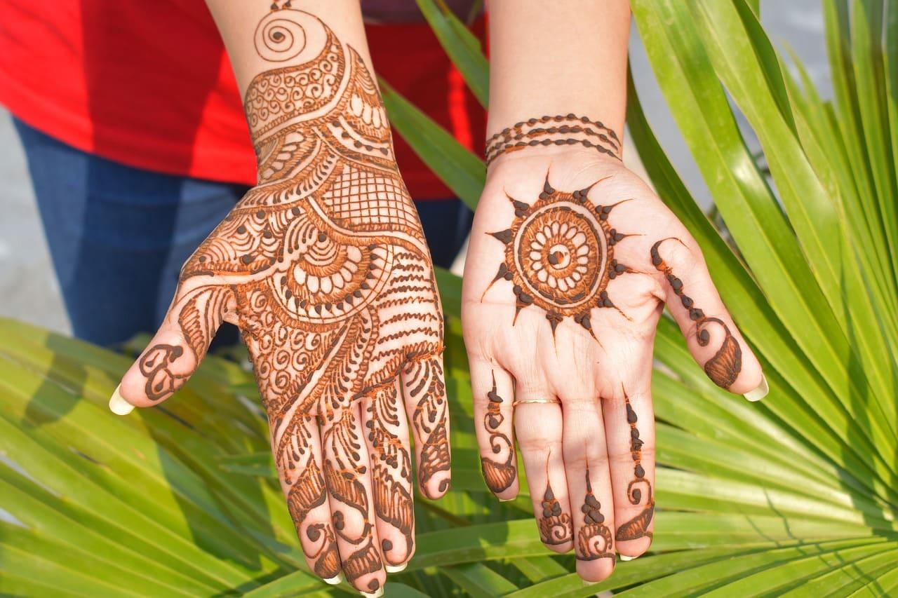 Front-Finger-Mehndi-Designs-stylegods