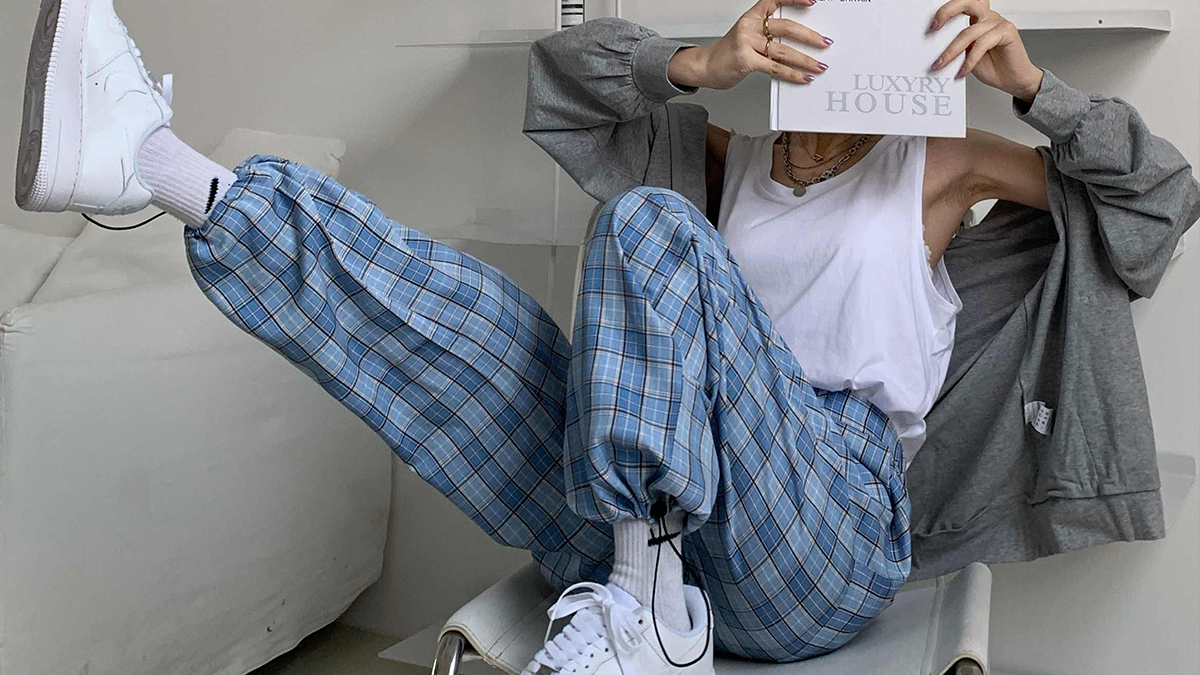 how-to-wear-gingham-pants